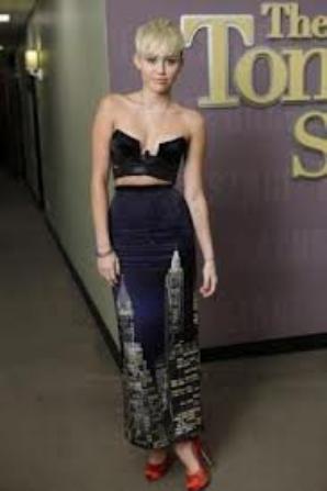 Tenue de Miley Cyrus au mois d'octobre