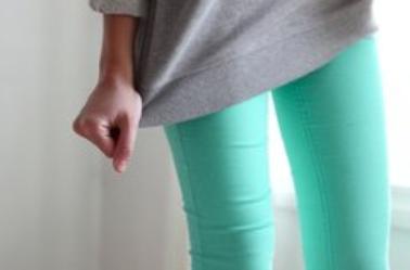 Entre le jean et le legging : Le jegging fait des ravages !