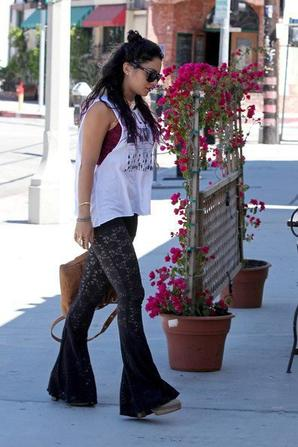 Vanessa at Sun Cafe In LA (June 25)