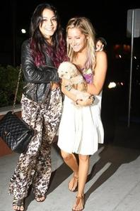 ashley ans vanessa <3<3