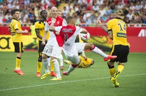 Maillot domicile de Monaco porté en ligue 1 2014-2015
