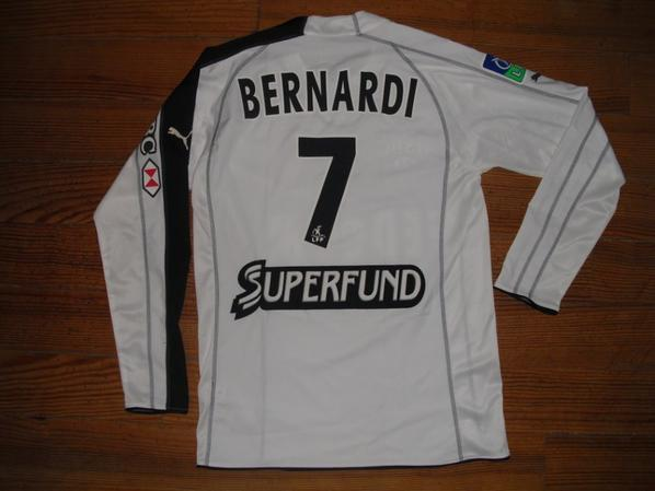"Maillot ""4"" saison 2005-2006 floqué BERNARDI (de dos)"