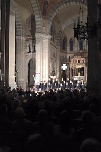 Standing ovation de plus de 450 personnes ce soir à la Basilique St Ferjeux à Besançon