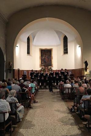 Les Petits Chanteurs de France ont été très heureux de chanter hier soir à Chorges, dans la paroisse du Père Charles Troesch