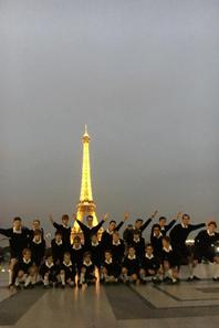 Paris! Les Petits Chanteurs de France en séance photo! (2/2)