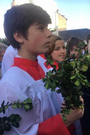 Les Petits Chanteurs de France vous souhaitent un bon dimanche