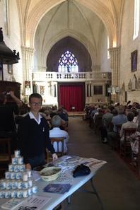 Eglise comble à nouveau À Bassac