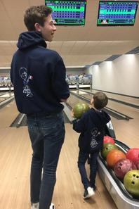 Un peu de détente au bowling (4/4)