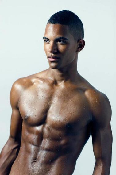 #DernièresMinutes : Le mannequin Terence Telle complète le casting