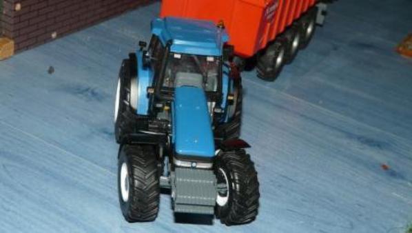 le second tracteur arrive