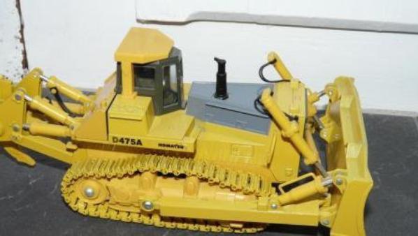 nouveautés buldozer komatsu d475a 1/50