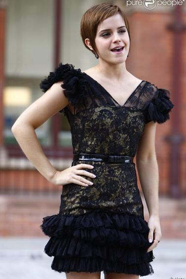 Emma Watson lors du photocall de harry potter et les reliques de la mort partie II