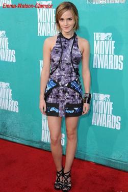 Emma à été aperçu se rendent au MTV Movie Awards 2012! Comment trouvez vous sa tenue ?  J 'adore ; elle est toujours au top!