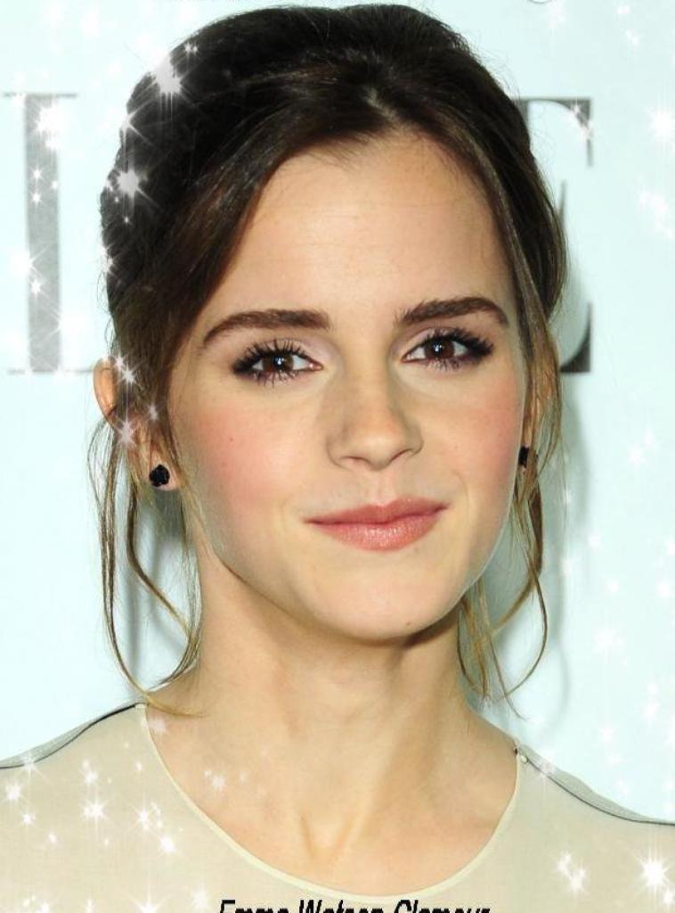 Emma Watson à été vu à la soirée ELLE Women In Hollywood le 15 octobre 2012! Toujours magnifique avec ses cheveux relévés , et une robe toutes aussi belle !