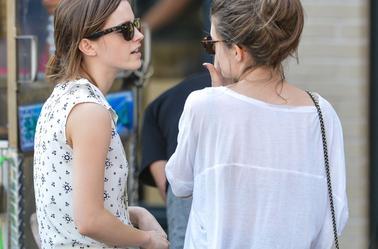 Emma à été vu faisant quelques emplettes dans les rue de New York .
