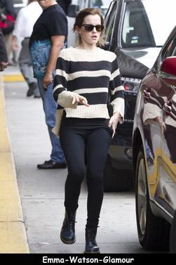 Emma à été vu quittant l'aéroport JFK de New York le 29/09/12. Sa tenue est décontracté mais j'adore ses Doc Martens !!