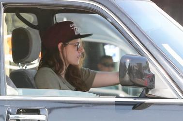 Nouvelles photos de Kristen Stewart à Los Angeles - le 13 Février 2014