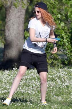 Nouvelles photos de Kristen Stewart à la nouvelle Orléans ( 08 Avril 2014 )