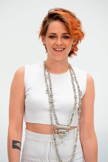 Suite photos Kristen Stewart défilé haute couture Chanel automne - hiver 2014