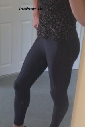 Bonjour  .. ♥ <3 , J'adore Trop Mes Leggings ♥ !