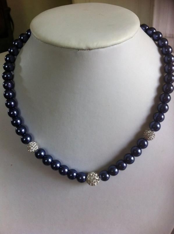 Collier perlés et strass