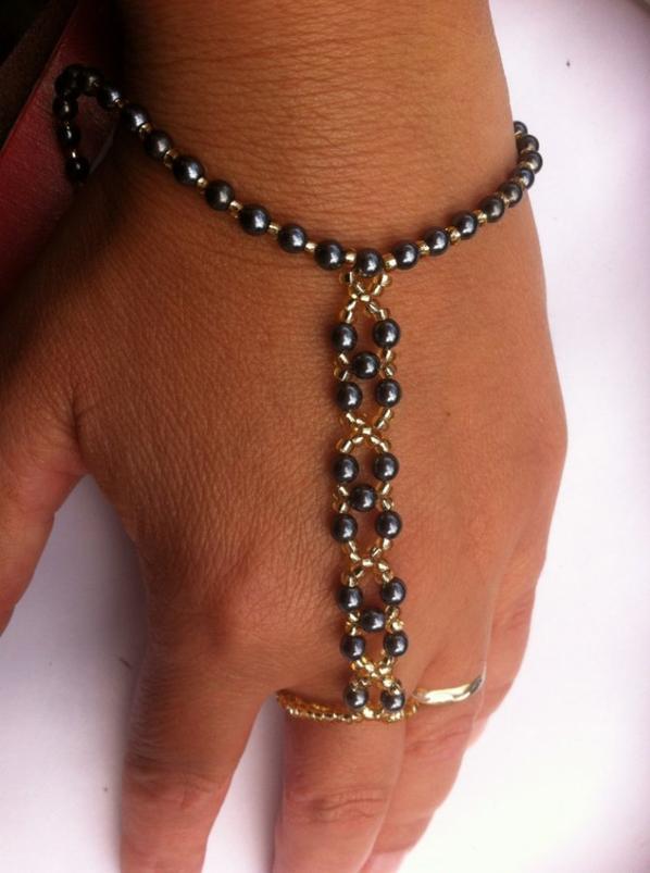 Bagues bracelet perlés et or
