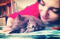 Aliya Mustafina aime les chats :)