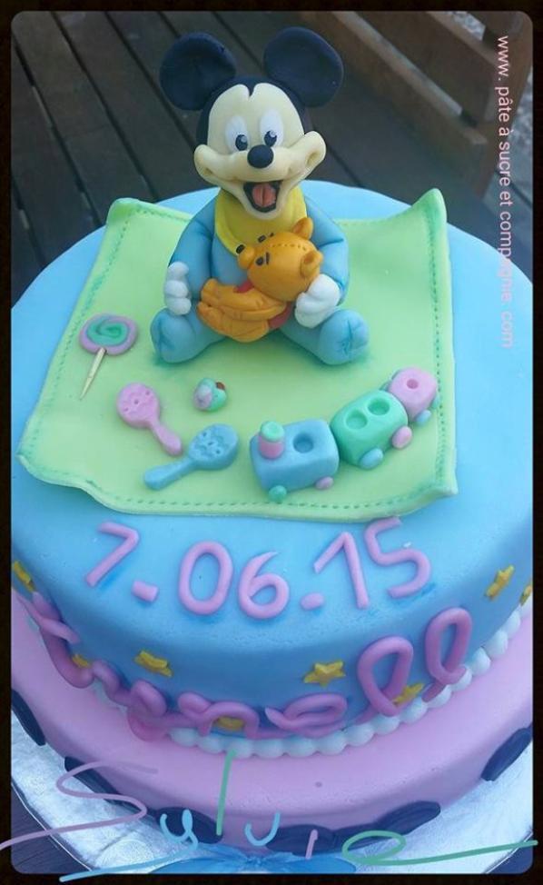 "cake recouvert de pate a sucre sur le theme de mickey "" disney """