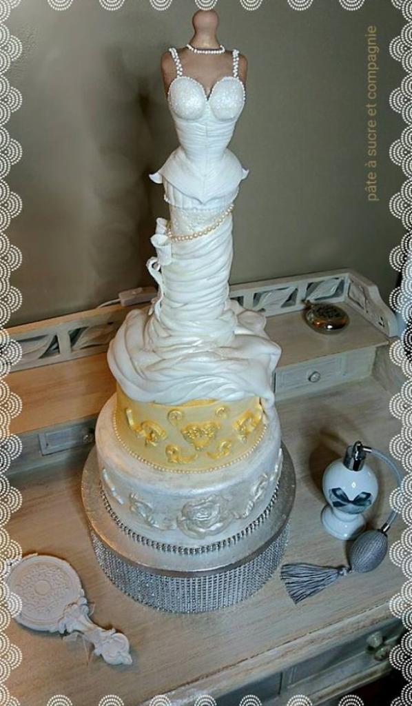 cake design, gateau décoré , robe de fete, mariage, oiréee etc