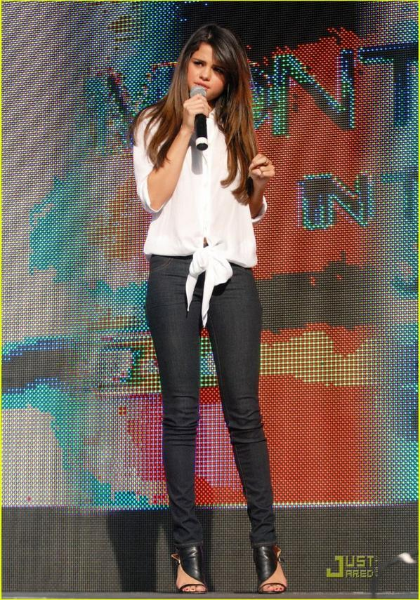 "Selena Gomez: ""Who Says"" Go Platinum"