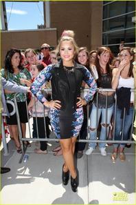 Britney Spears & Demi Lovato: 'X Factor' Rhode Island Auditions!
