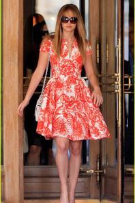 "Jennifer Lawrence & Marion Cotillard: Fashion Week ""Dior"""