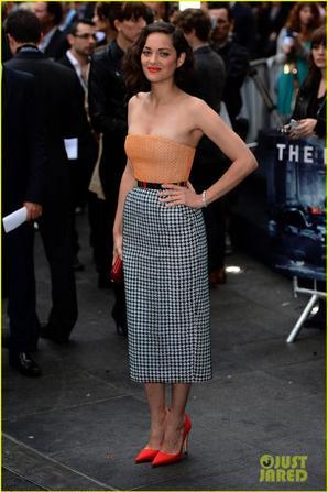 Anne Hathaway & Marion Cotillard: 'Dark Knight Rises' European Premiere!