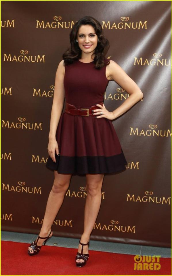 Kelly Brook: Magnum's Pleasure Pod Launch in London!
