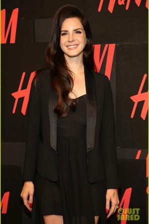 Lana Del Rey: H&M Ad Campaign Launch & Concert!