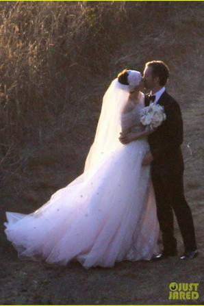 Anne Hathaway : Wedding Pics Exclusive !
