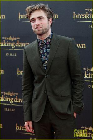 Robert Pattinson: 'Twilight Saga: Breaking Dawn - Part 2' Fan Event in Sydney!