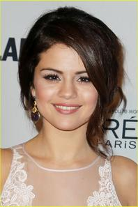Selena Gomez: 'Glamour' Women of the Year Awards Honoree!