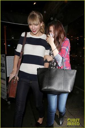 Selena Gomez & Taylor Swift: Saturday Night Dinner Duo!