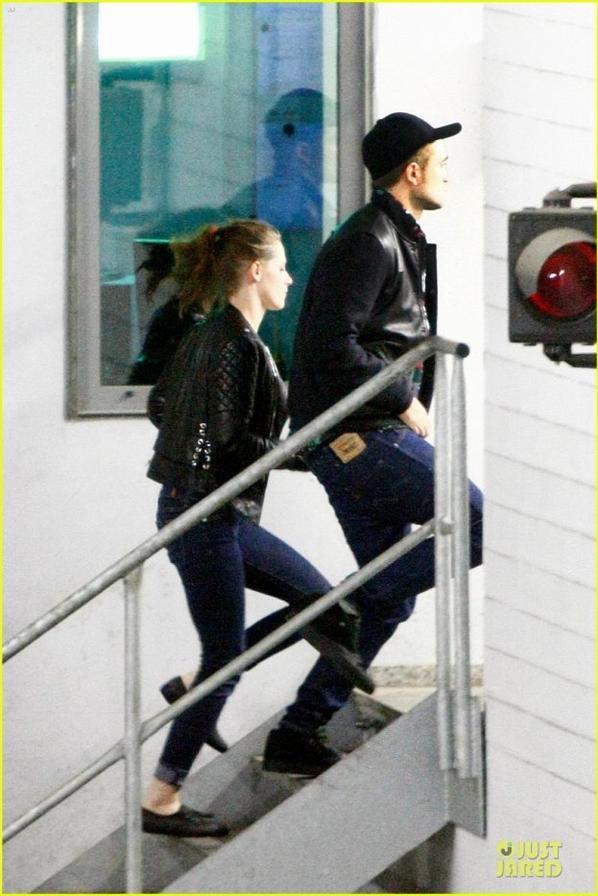 Kristen Stewart & Robert Pattinson: Bowling Date with Taylor Lautner!