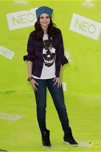 Selena Gomez: Adidas Photo Call