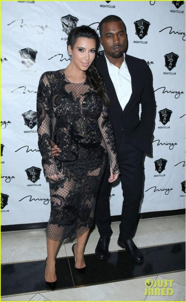 Pregnant Kim Kardashian & Kanye West: New Year's Eve Red Carpet Couple!