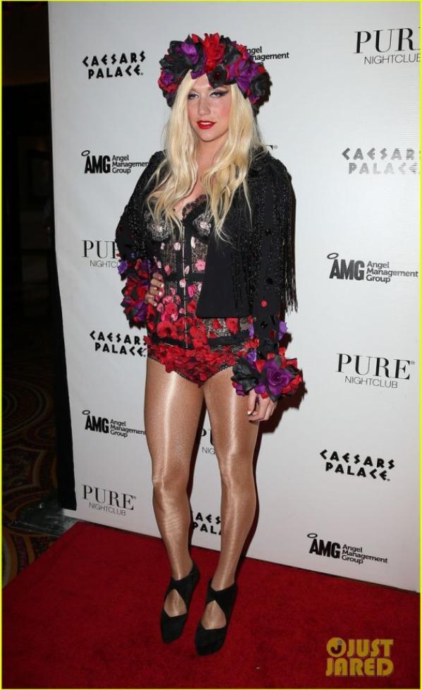 Ke$ha: Pure Nightclub Eighth Anniversary!
