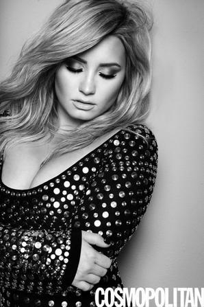 Demi Lovato  'Cosmopolitan' August 2013