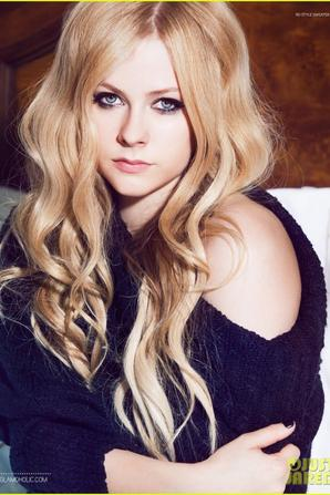 Avril Lavigne Covers 'Glamoholic' October 2013