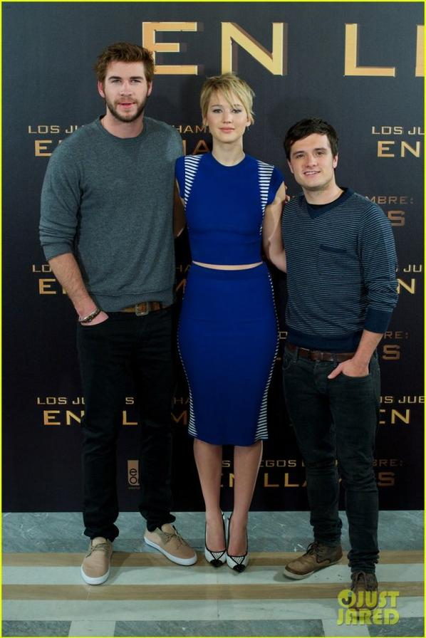 Jennifer Lawrence & Liam Hemsworth: 'Catching Fire' Madrid Photo Call