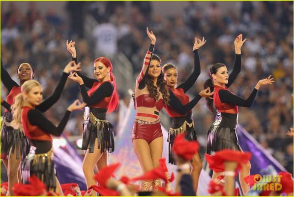 Selena Gomez's Halftime Show - Thanksgiving Day Performance!