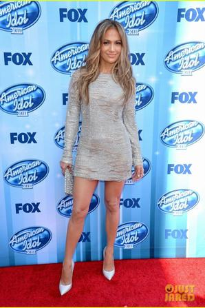 Jennifer Lopez Sparkles Away at 'American Idol' Season Finale!