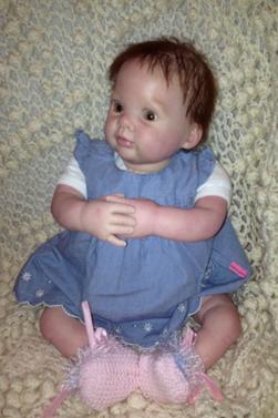 Lydia adorable bébé reborn réaliste du kit dumplin(adoptée)