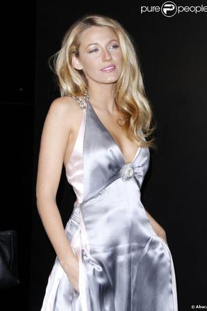 CANDID 10/10 : Blake Lively à la soirée Chanel pour célébrer les 80 ans de la collection Bijoux de diamants...